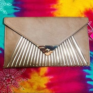 VIETA BROWN LARGE CLUTCH BAG